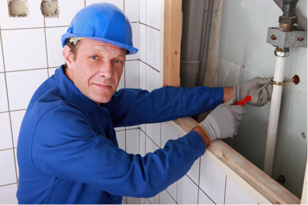 Common Signs of Identifying Hidden Leaks in Your Homes